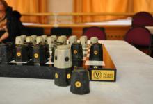 Подарочный комплект русских шахмат – «Каменное чудо»